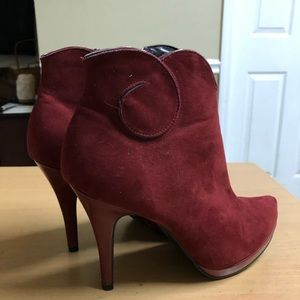 LimeLight Ankle Boot Cranberry Suede 9.5